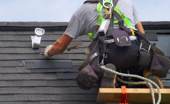 How To Find The Right Roofing Contractor